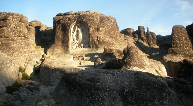 Hiking, Food and Wine Tour in Beira Interior Region | 2 Day Tour