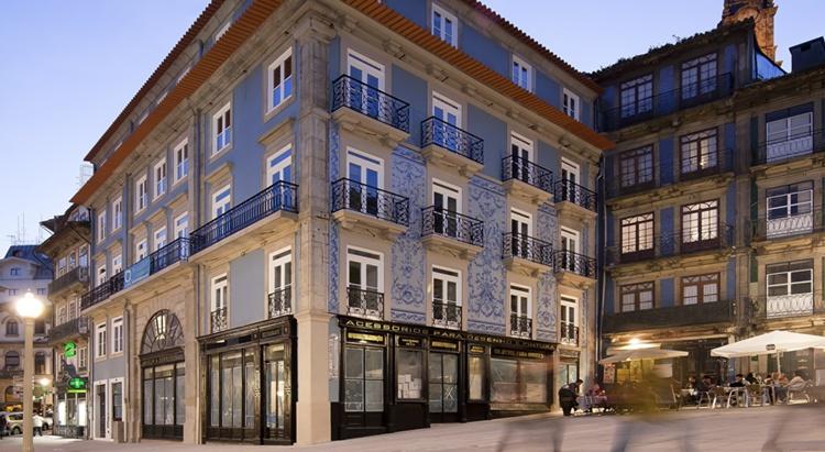 Porto a s 1829 best hotels in downtown porto for Hotel design porto